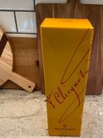 Bottle of Bubbly!  Veuve Clicquot